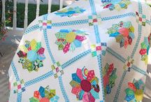 {Quilting} Dresden Plates / by Becky @ Patchwork Posse