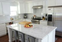 White Kitchens / by Rachel Clyde