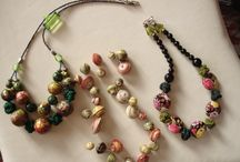 bigiotteria / collane, braccialetti, spille, spilloni vintage, orecchini, scaldacollo in lana e pietre dure
