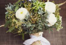 wedding flowers / by Jona Mills