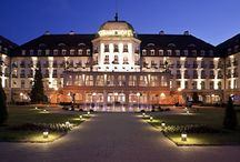 Noclegi Sopot - Grand Hotel Sofitel - tylko sprawdzone noclegi / Na tej tablicy przedstawiamy sprawdzone i zweryfikowane miejsca noclegowe w Sopocie, zarówno hotele, pensjonaty jak i kwatery prywatne. Sprawdzony nocleg tylko z www.zarezerwuj-nocleg.com