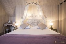 Top romantic rooms in Paris / Are you in a romantic mood? Then you're in the right place.