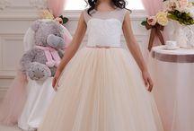 Junior brides maid
