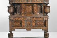 Vyřezávaný nábytek