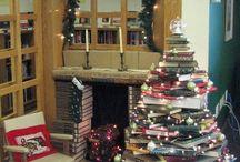 Christmas Tree - Library / Idées pour un arbre de Noël et décos différentes, sur murs, avec matériel recyclé, bricolage d'enfants.