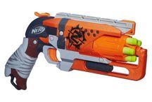 Nerf Zombie / Nerf Blasters