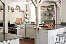 Farmhouse Kitchen / Industrial lighting is one of the key features of a farmhouse kitchen, and you can easily cop of various rustic looks with a tasteful vintage light