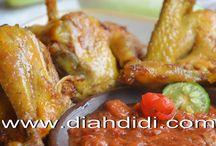 Lauk Pauk : ayam, usus ayam, hati ampela