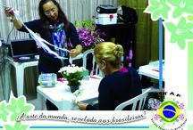 Curso Técnico Profissionalizante – Agosto de 2013 / Professora Val du Arte  Site: www.escolatecnicadeartefloral.com.br   Assista o vídeo e conheça a nossa escola: http://www.youtube.com/watch?v=rw8Ml8lzrXA  Acompanhe a matéria completa no Blog: http://valduarte.wordpress.com/2013/10/06/curos-de-arte-floral/
