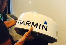 Garmin Marine Italia / L'elettronica a bordo di Bet1128 sarà sostituita integralmente. Il class40 sarà equipaggiato con i nuovi strumenti Garmin Marine: radar GMR18xHD, pilota GPH Reactor e stazione del vento gWind Race. Un display multifunzione della linea GPSMAP permetterà di ridurre spazi, pesi ed abbassare il baricentro della consolle interna; mentre la nuova action-cam Virb XE, che non necessita di custodia, garantirà riprese stabili e in Full-Hd in tutte le condizioni di navigazione.