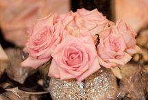 Roses in vases / Art
