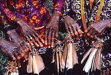 Borneo 1986 / Jacek Pałkiewicz przeprawa przez Borneo od brzegu do brzegu 1986. http://palkiewicz.com/ekspedycje/borneo-od-brzegu-do-brzegu/  ●  Jacek Palkiewicz crossing Borneo from coast to coast in 1986.  http://en.palkiewicz.com/expeditions/borneo-coast-to-coast/