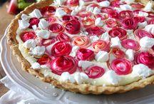 Baiser - Rezepte für Kuchen mit Baiserhaube / Hier kommt Baiser zum Einsatz! Mit Zucker aufgeschlagenes Eiweiß/Eiklar krönt jeden Kuchen.  Rezepte dafür gibt es hier