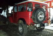 Jeep Huni Raya Bromo / We Provide Rent Jeep Bromo Tourism.