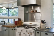 Kitchens / by Melanie Kampman