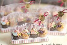 Miniature sweets Petit patisseries