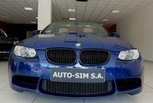 Auto-Sim S.A- BMW M3 / AUTO-SIM S.A. to firma profesjonalnie zajmująca się sprzedażą, odkupem oraz wynajmem długoterminowym samochodów segmentu Premium (limuzyny, auta sportowe i terenowe).   Firma istnieje na rynku od roku  2001, a tworzy ją zespół ludzi związanych z motoryzacją od wielu lat. Nasz zespół to profesjonaliści posiadający duże doświadczenie w branży, ale przede wszystkim ludzie z pasją…