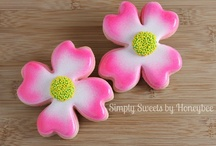Flower Cookies / by The Cookie Puzzle