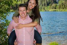 Engagement photos outdoors Mammoth area / Outdoor engagement sessions in the Mammoth Lakes area of California