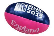 Rugby World Cup 2015 / La Coppa del Mondo di Rugby sta per iniziare: sei pronto a scendere in campo con i tuoi beniamini? Su MerchandisingPlaza trovi il merchandising ufficiale dei campionati mondiali 2015!
