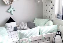 Couleurs Chambres d'enfants - Déco / Nuanciers de couleurs sur les chambres d'enfants. Chaque nuancier offre une ambiance différente. Douce et calme dans les tons pastel ou gaie et dynamique sur les couleurs plus vives.