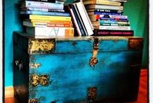 UKAŽ SVOU KNIHOVNU / Na Twitteru jsme chtěli vidět vaše knihovny, protože si myslíme, že je to jedna z věcí, na které jsou milovníci knih nejpyšnější. A vzhledem k tomu, že byl tento týden Den knih, jsme se rozhodli oslavovat knihy ze všech stran a všechny je zde vystavit! Takže: Jak vypadají vaše knihovny? :)