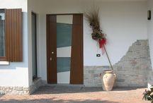 Entrance doors: wood