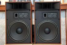 Speakers - REALISTIC