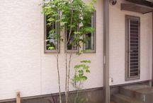 ロックガーデン(門柱付近)
