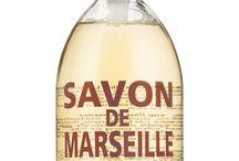 Savon de Marseille - extra pur / ORIGINALE sæber fra Savon de Marseille - kendt for deres plejeprodukter, som er fremstillet efter klassiske metoder, og hver sæbe har sin helt unikke historie, udformning og duft. www.houseofbk.com
