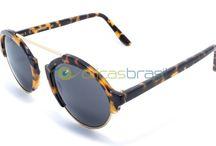 Illesteva / Desde 2010 a marca Illesteva vem conquistando os apaixonados por óculos, não poderia ser de outra forma, já que une desenhos modernos à qualidade das marcas já consagradas.