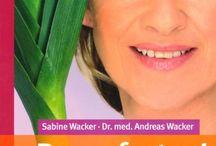 basenfasten Bücher / Auf dieser Pinnwand finden Sie einige unserer basenfasten Bücher von Sabine Wacker.