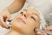 Cilt Bakımı / Parlak ve güzel bir cilde sahip olmak aynaya bakmayı gerektirir. Bu da ancak düzenli ve doğru bir cilt bakımı uygulaması ile mümkündür. Cilt bakımında amaç temiz parlak ve sağlıklı bir cilttir. Doğal yapınız ne olursa olsun her cilt tipine uygun bakım prosedürleri ile istediğiniz sonuca ulaşmak mümkündür.