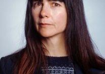 Джиллиан Уэринг / Джиллиан Уэринг (англ. Gillian Wearing, р. 1963) – английская #художница, #фотограф. Представительница группы Молодые Британские Художники (#YBA). Обладатель премии Тернера 1997 года.   Биография, работы: http://contemporary-artists.ru/Gillian_Wearing.html