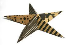 Ukrasi kakve ti želiš - Zvijezda / Napravi ukras po svojoj želji. Ostatke ukrasnog papira nakon umotavanja poklona iskoristi za izradu vlastitog ukrasa za božićno drvce. Posluži se našim uputama. :) / by IKEA Hrvatska