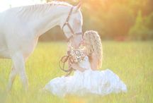Bridal equine / Brides and horses, wedding photoshoot with horses