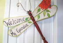 Spindles / Spindle ideas, dragonflies, wreath hangers, snowmen,