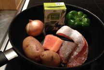 Food / Lohifile, ruokakermaa, pari perunaa, sipuli, vihreä paprika. Valmistusohje: suurella taidolla ja rakkaudella tulee parasta ruokaa, silloin kun on aikaa ja tunteen paloa!
