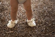 zapatitos y zapatos / by Lorena Cordero