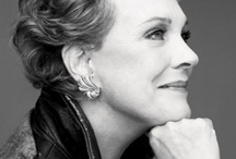 2000 Julie Andrews / Aged. Awards, public apparences, interviews, books, galas, bio, honorary...