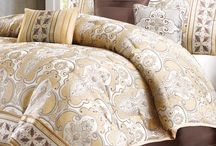 Color Crush: Gold / by Rooms To Go