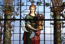 Vitrales del mundo y mosaicos del mundo. / Los vitrales como expresión del momento histórico que vivimos.