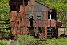 ♦Old Abandoned Buildings♦ / Pictures of Old Abandoned Buildings.  Nothing Silly Please.
