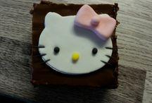 Hello kitty sokerimassakoristeita