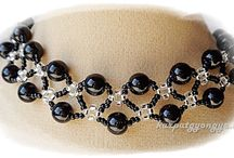 necklace, pendant / gyöngyékszerek nyakláncok, medálok