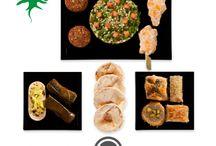 Univers Liban / Invitez l'Orient à votre table et partagez des saveurs venues d'ailleurs. Situé sur les côtes orientales de la Méditerranée, le Liban est réputé pour ses cèdres et son miel mais aussi pour sa cuisine qui exalte des parfums envoûtants. Épices et herbes aromatiques viennent composer des plats aussi divers que séduisants.