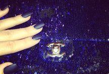 Lacqueen: Khloé Kardashian / by Lacquerous Nails