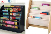 Organização - livros, lápis, etc na parede
