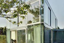 Maisons réalisées en Verre / Pour vous démontrer que le Verre est un matériau résistant et durable dans le temps...