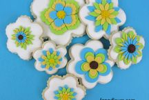 Cookies with Fondant / by Satin Ice
